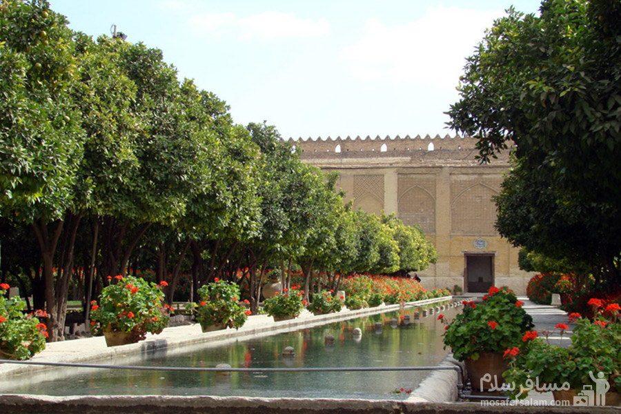 حوض وسط باغ ارگ کریم خان زند