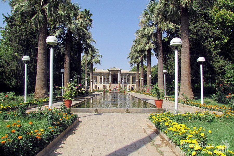 ورودی اصلی  باغ عفیف آباد شیراز