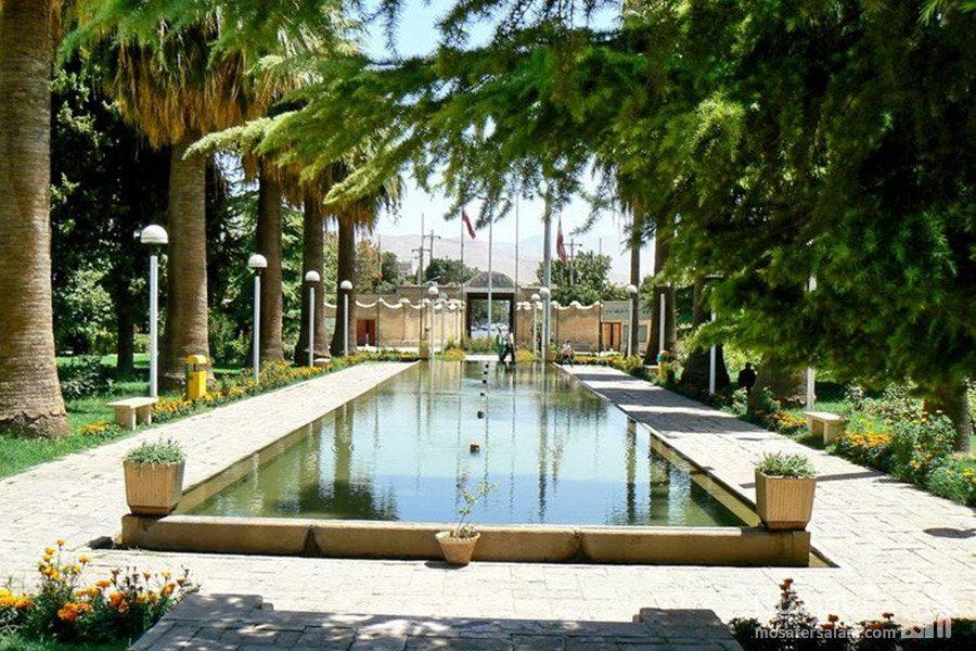 راهرو ورودی باغ عفیف آباد یا باغ گلشن