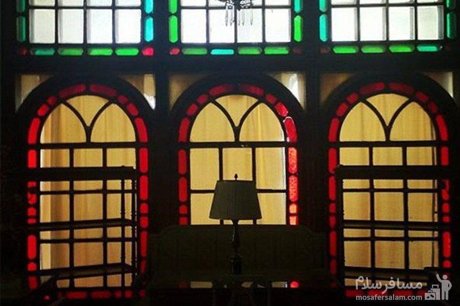 پنجره های زیرزمین باغ عفیف آباد