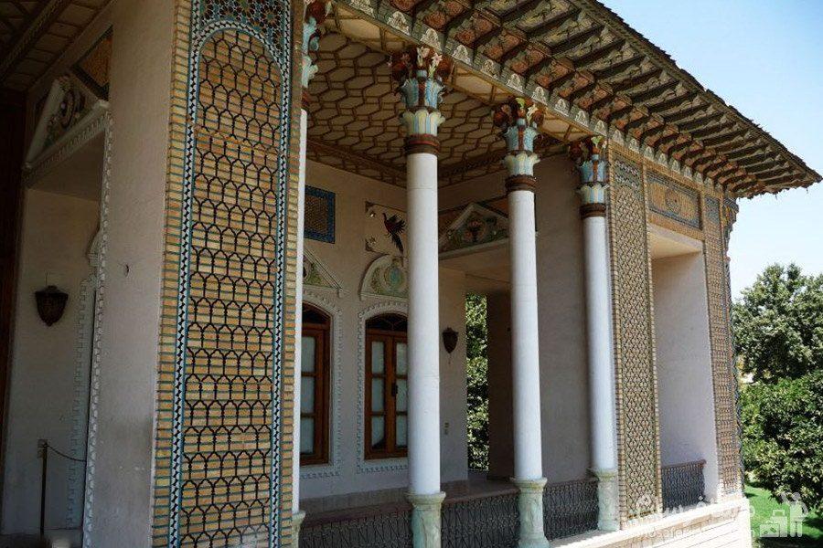 ایوان عمارت باغ عفیف آباد شیراز