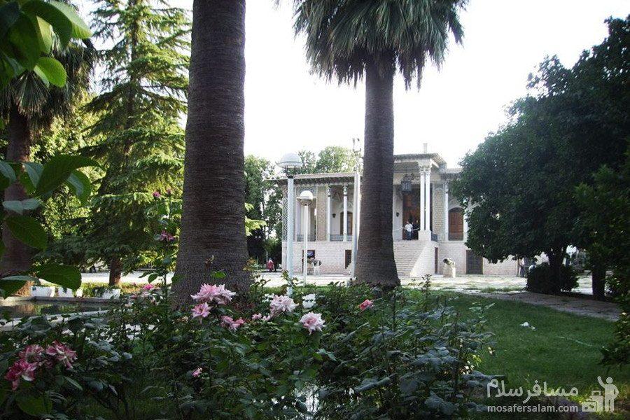 درختان باغ عفیف آباد شیراز