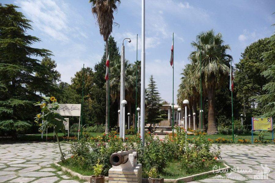 حیاط باغ عفیف آباد شیراز