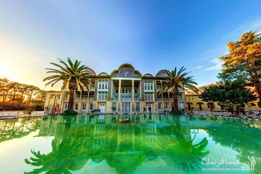 استخر مرکزی و عمارت اصلی در باغ ارم فارس