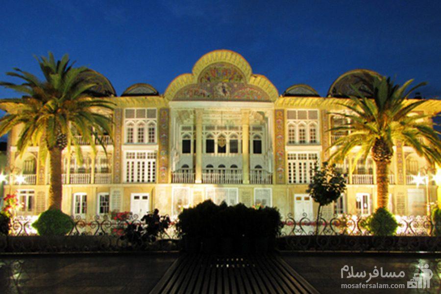 نمای عمارت اصلی باغ ارم در شب