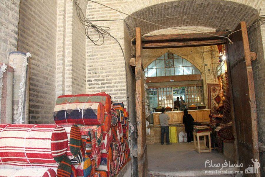 یکی از ورودی های بازار وکیل شیراز