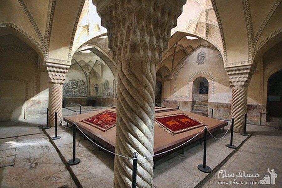 ستون های سنگی یکپارچه حمام وکیل شیراز