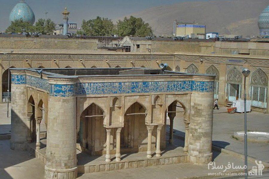حیاط مسجد عتیق