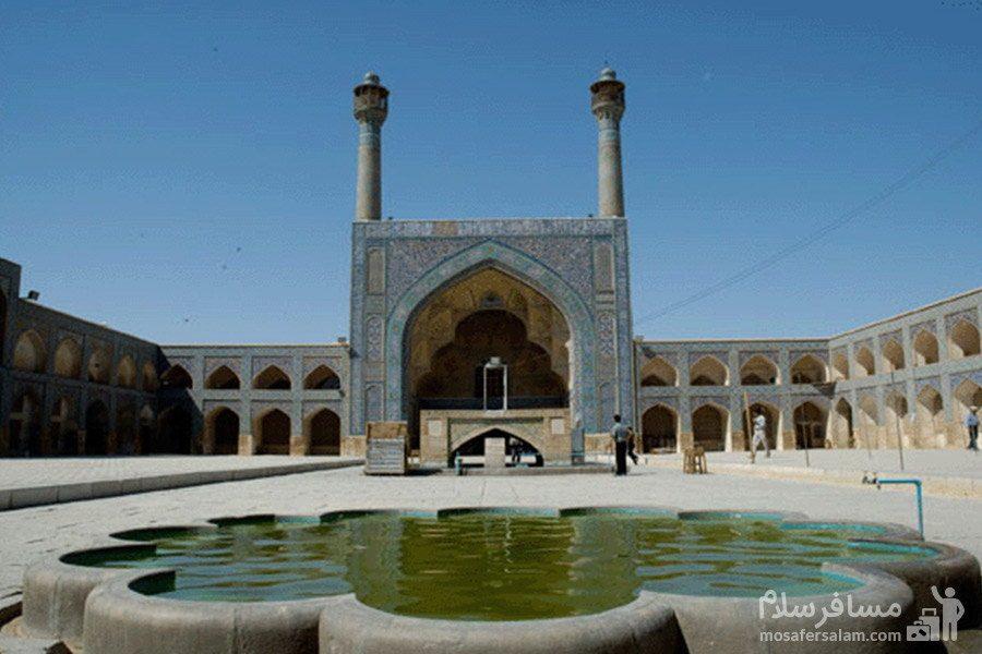 حیاط مسجد جامع عتیق در شیراز