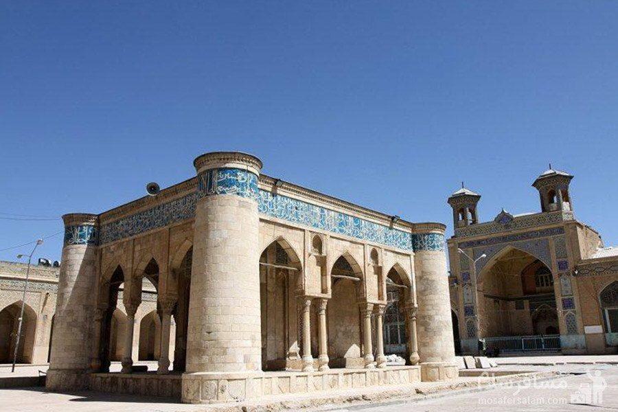 فضای بیرونی مسجد عتیق