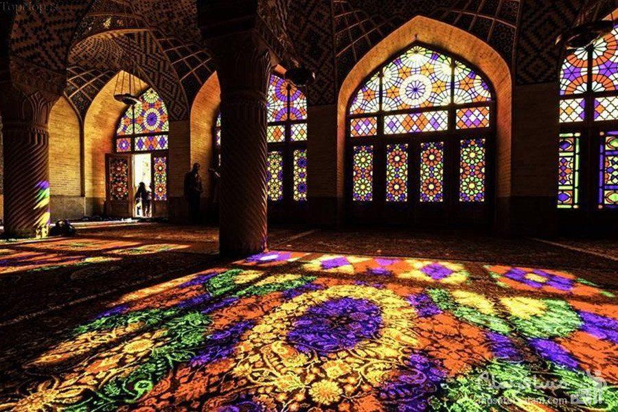 انعکاس رنگ ها در مسجد نصیرالملک