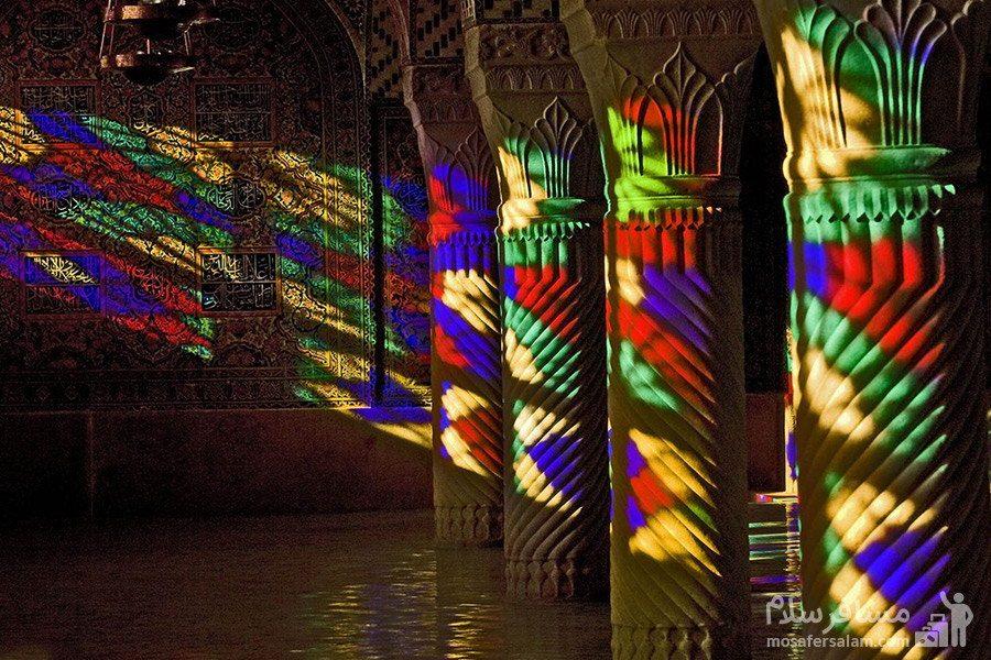 ستون های مارپیچی سنگی مسجد نصیرالملک