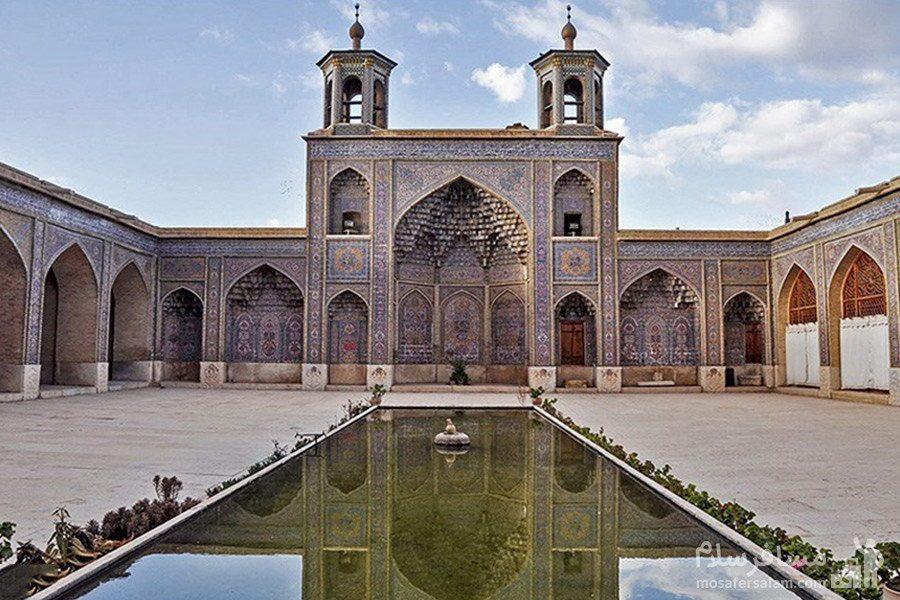 حوض وسط حیاط مسجد نصیرالملک