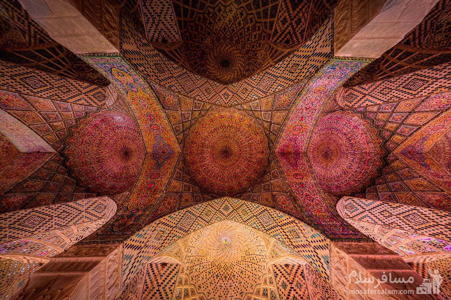 کاشی کاری و مقرنس کاری مسجد نصیرالملک
