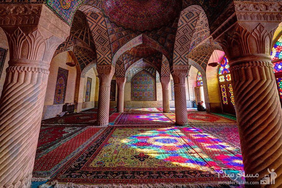 معماری داخلی مسجد نصیرالملک شیراز