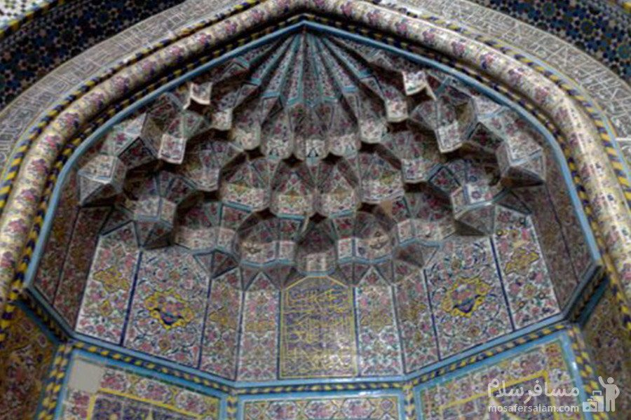 یکی از ورودی های مسجد وکیل شیراز