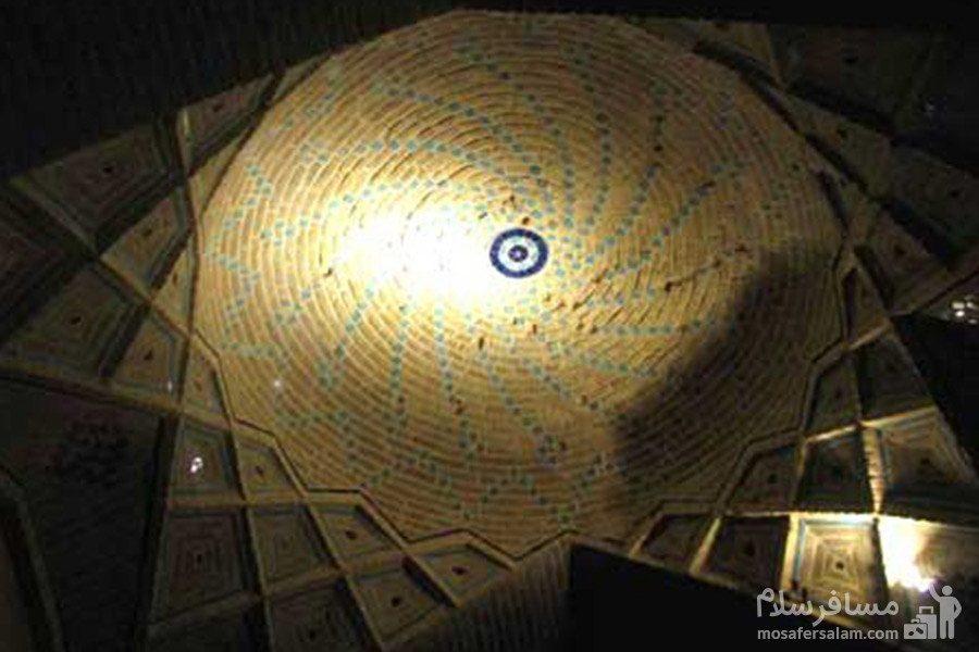 طاق آجری یکی از شبستان های مسجد وکیل در شیراز