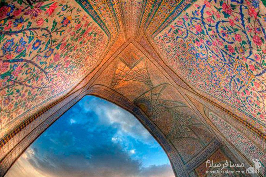 هنر کاشی کاری مسجد وکیل شیراز از دوره ی زندیه