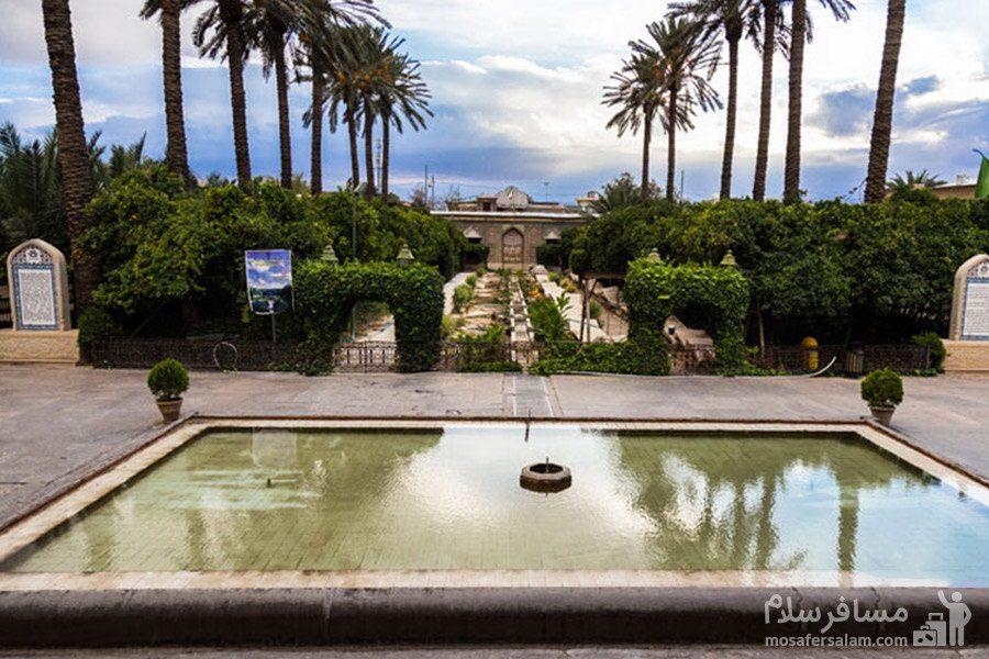 حوض جلو عمارت اصلی نارنجستان قوام در شیراز