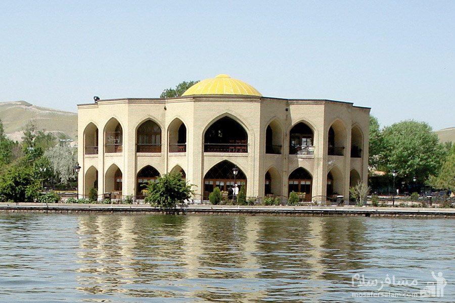 عمارت کلاه فرنگی در دریاچه ائل گلی