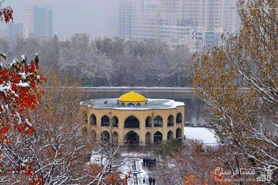 عمارت کلاه فرنگی تبریز در زمستان
