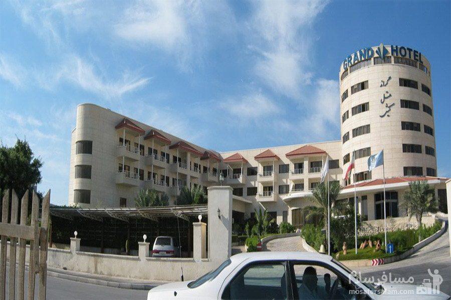 هتل گراند کیش ورودی