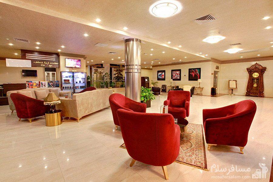 لابی طبقه آخر هتل ایران کیش