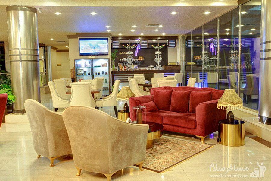 لابی طبقه همکف هتل ایران کیش