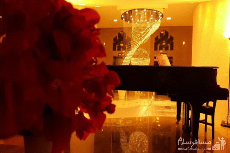پیانو لابی هتل شایان کیش