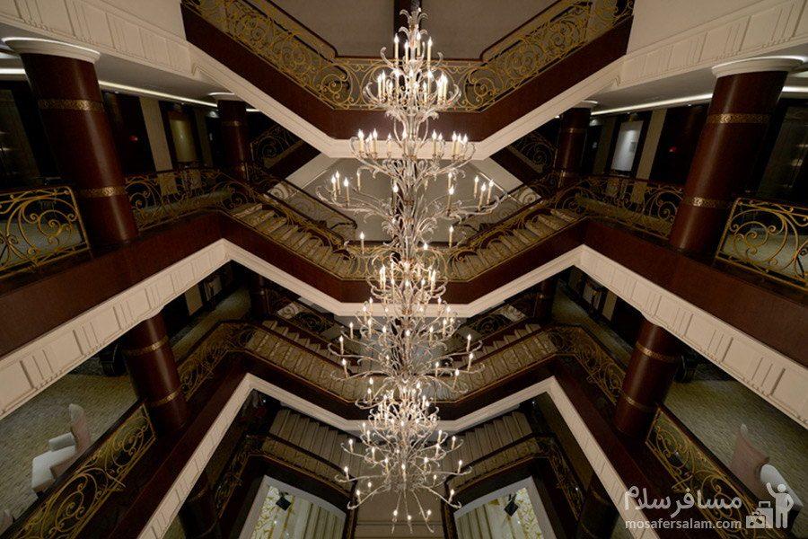 هتل سورینت مریم کیش راهرو و پلهها
