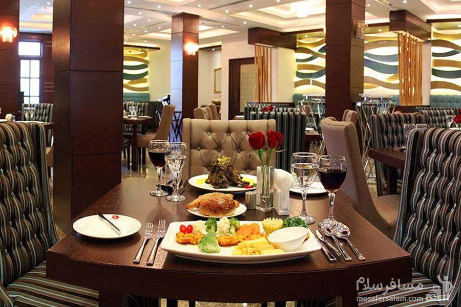 غذای رستوران هتل سورینت مریم کیش