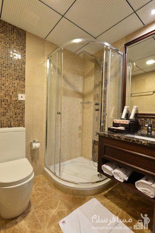 هتل سورینت مریم کیش حمام شیشهای