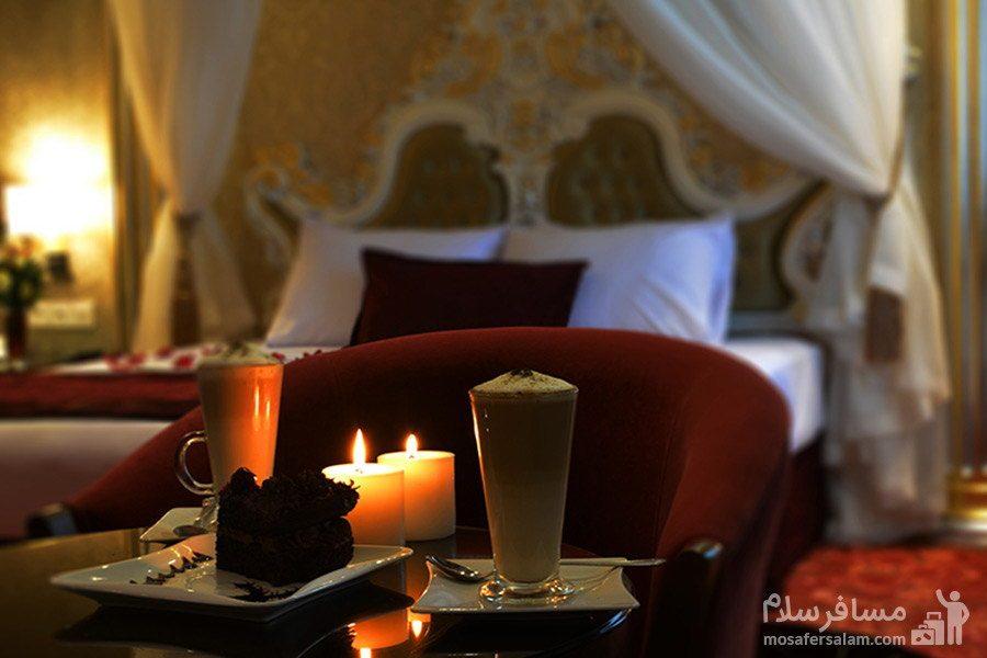 سرو غذا در داخل اتاق هتل الماس مشهد
