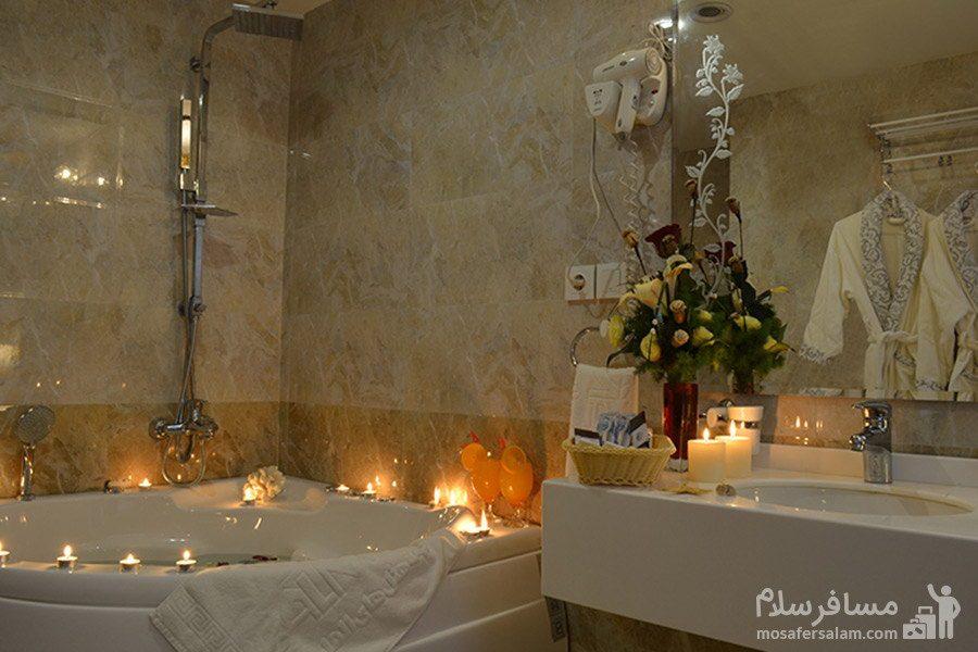 حمام هتل الماس مشهد
