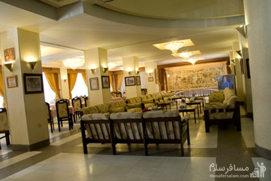 نمایی از داخل هتل بزرگ فردوسی