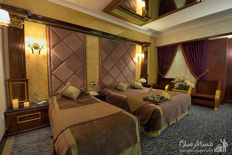 اتاق سهتخته هتل بین المللی قصر مشهد