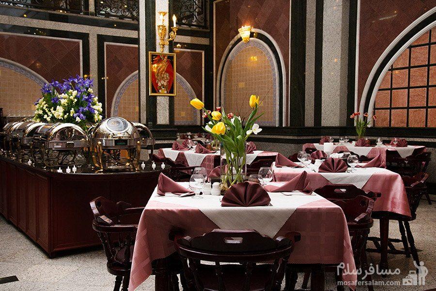 سالن غذاخوری مرسده هتل بین المللی قصر مشهد