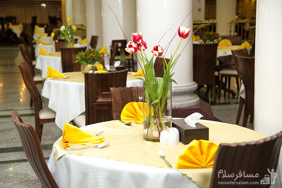 صبحانه خوری هتل بین المللی قصر مشهد