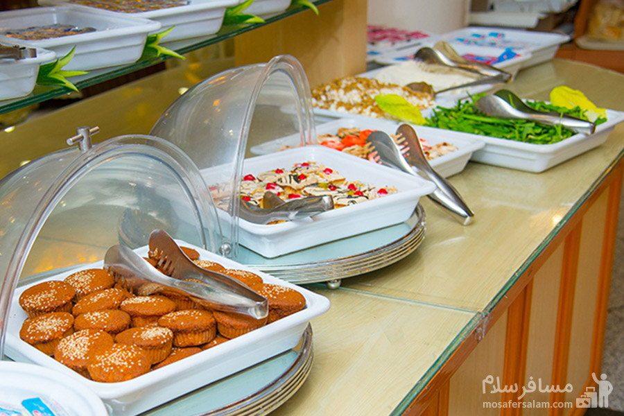 میز صبحانه هتل قصر مشهد