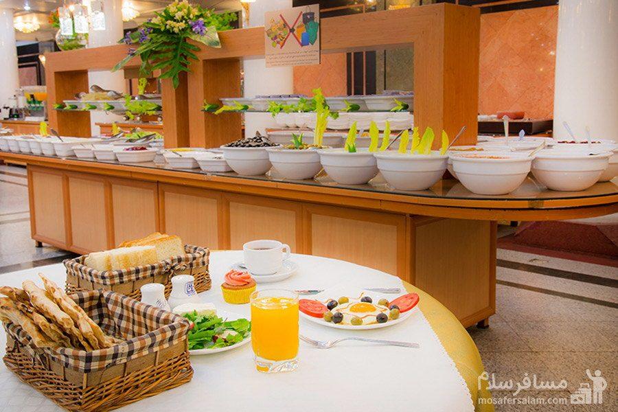 میز بار سالاد، هتل بین المللی قصر مشهد