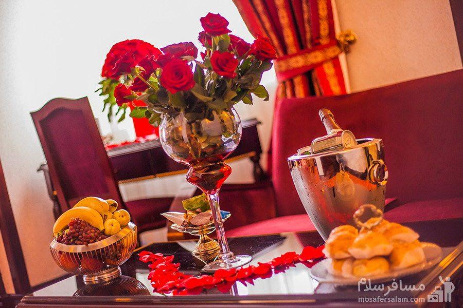 پذیرایی هتل قصر مشهد