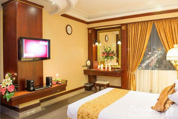 اتاق جونیور هتل قصر طلایی مشهد