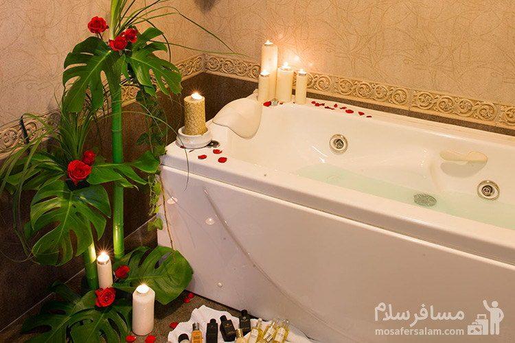 نمای وان هتل قصر طلایی مشهد