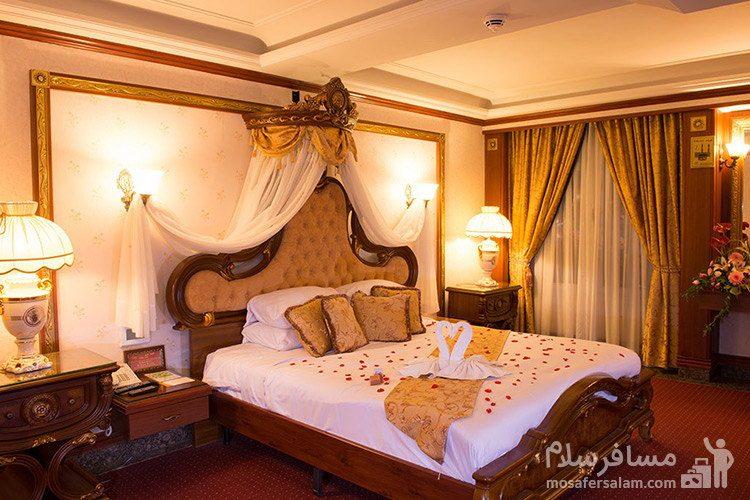 اتاق دو تخته هتل قصر طلایی مشهد