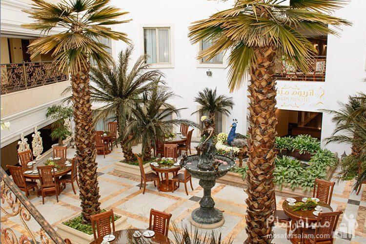 کافی شاپ آتریوم هتل قصر طلایی