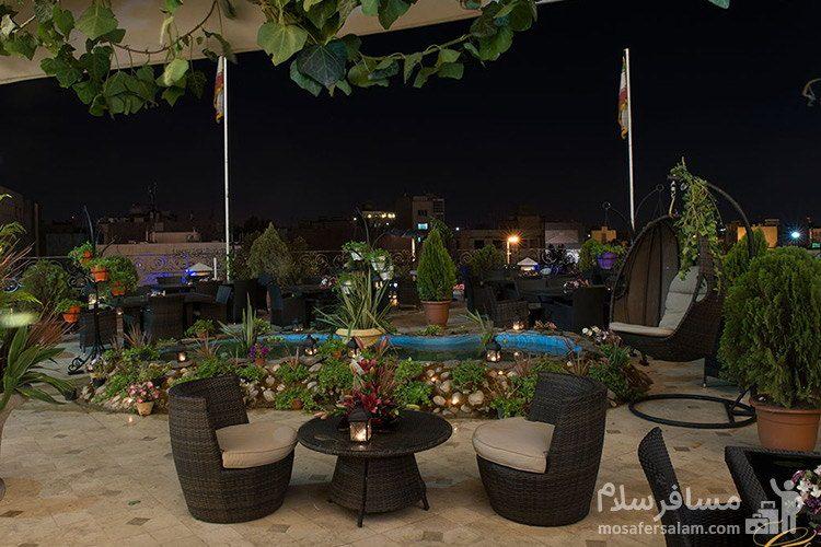 رستوران بارگاه هتل قصر طلایی مشهد