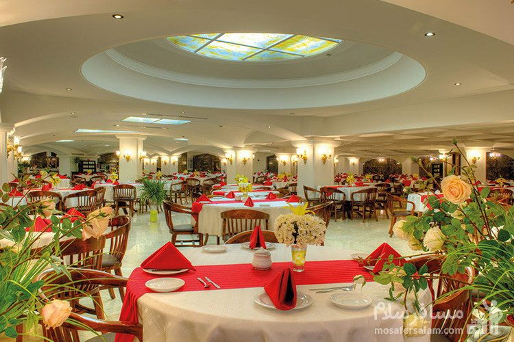 رستوران ضیافت هتل قصر طلایی مشهد
