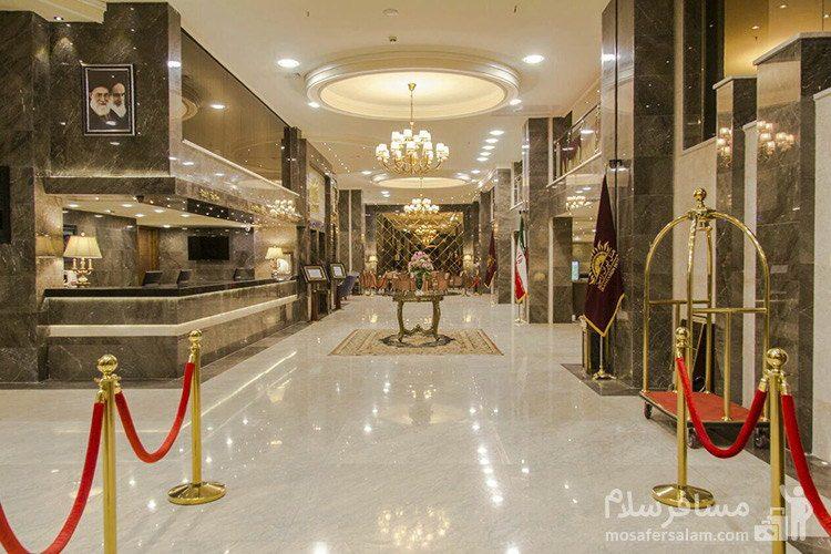 راهرو ورودی هتل ایران زمین مشهد