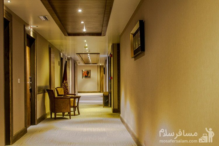 راهرو هتل ایران زمین مشهد