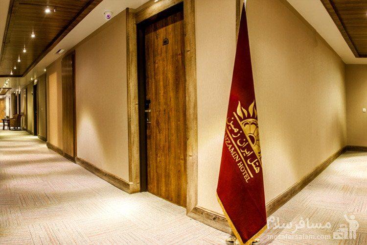 راهرو اتاقهای هتل ایران زمین مشهد